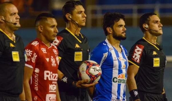 Vila Nova aproveita instabilidade do CSA e vence jogo