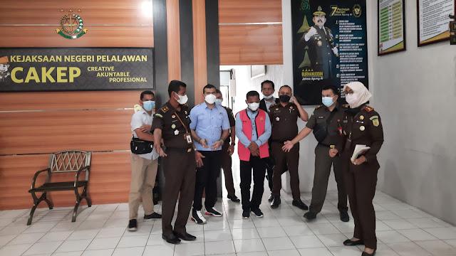 Korupsi APBDes, Kejari Pelalawan Inapkan Kades Marbau di Hotel Prodeo