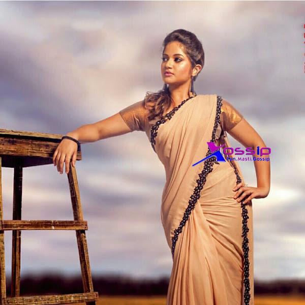 Shafna latest photo shoot in saree