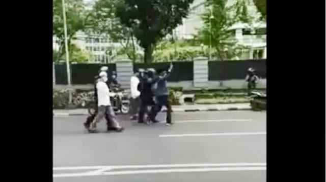Viral Video Sebut Polisi Razia Orang Berpeci dan Berbaju Koko, Polda Metro Tak Mau Tanggapi
