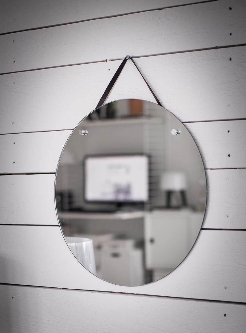 snygg rund spegel