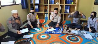 Kapolsek dan Anggota Polsek Barebbo Laksanakan Dzikir dan Doa Bersama