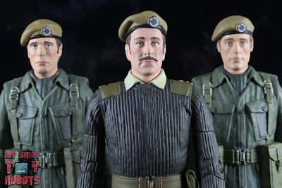 Doctor Who UNIT 1971 - The Claws of Axos Set 01