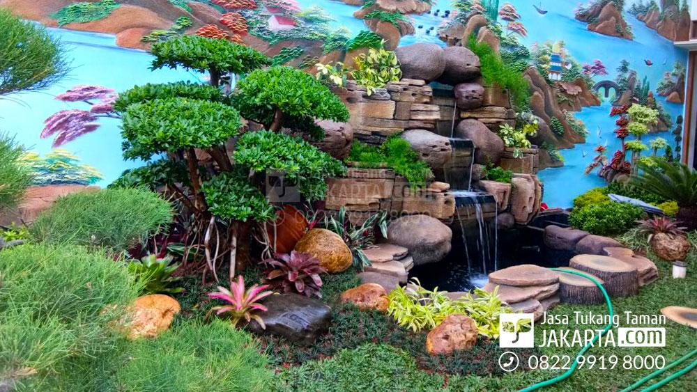 Taman Dekorasi Air Terjun di Tangerang