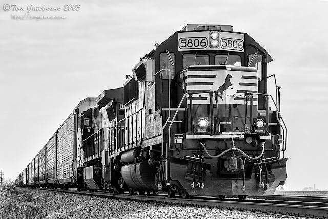 NS 5806 - Autorack Train - Brooklyn District - Raymond, IL
