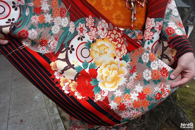 Maple leaves pattern kimono