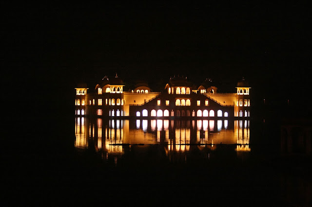 Jal Mahal at night wallpapers of Jaipur