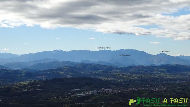 Sierra del Aramo desde Peña Careses