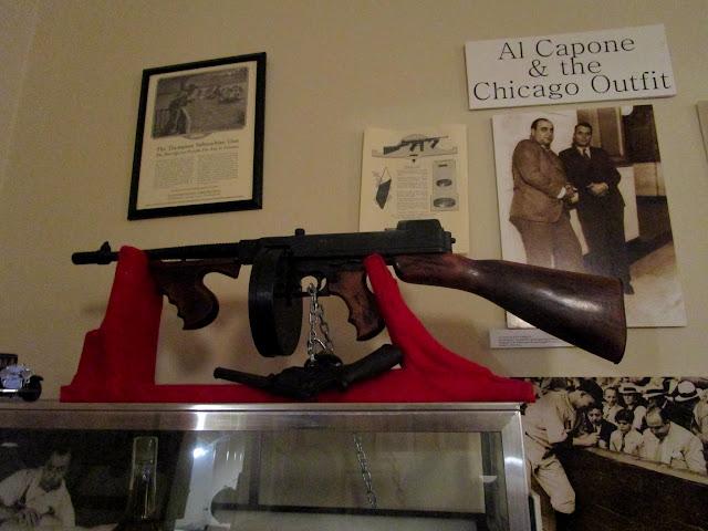 Пистолет-пулемёт Томпсона - Томми-Ган в Музее Американских Гангстеров