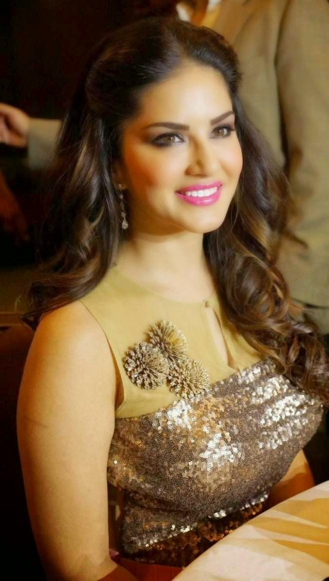 sunny leone latest stills