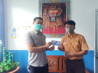 Pemberian Beasiswa Lomba Video Review Xiaomi SMartband 4 - Mi Band 4 - Celluler World - SMK TI Bali Global Badung (