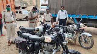 ट्रैफिक सूबेदार नीरज शर्मा की बड़ी चालानी कार्यवाही, जिसमे फटाके फोड़ने वाले वुलट वाइकर्स पर की गई कार्यवाहिया