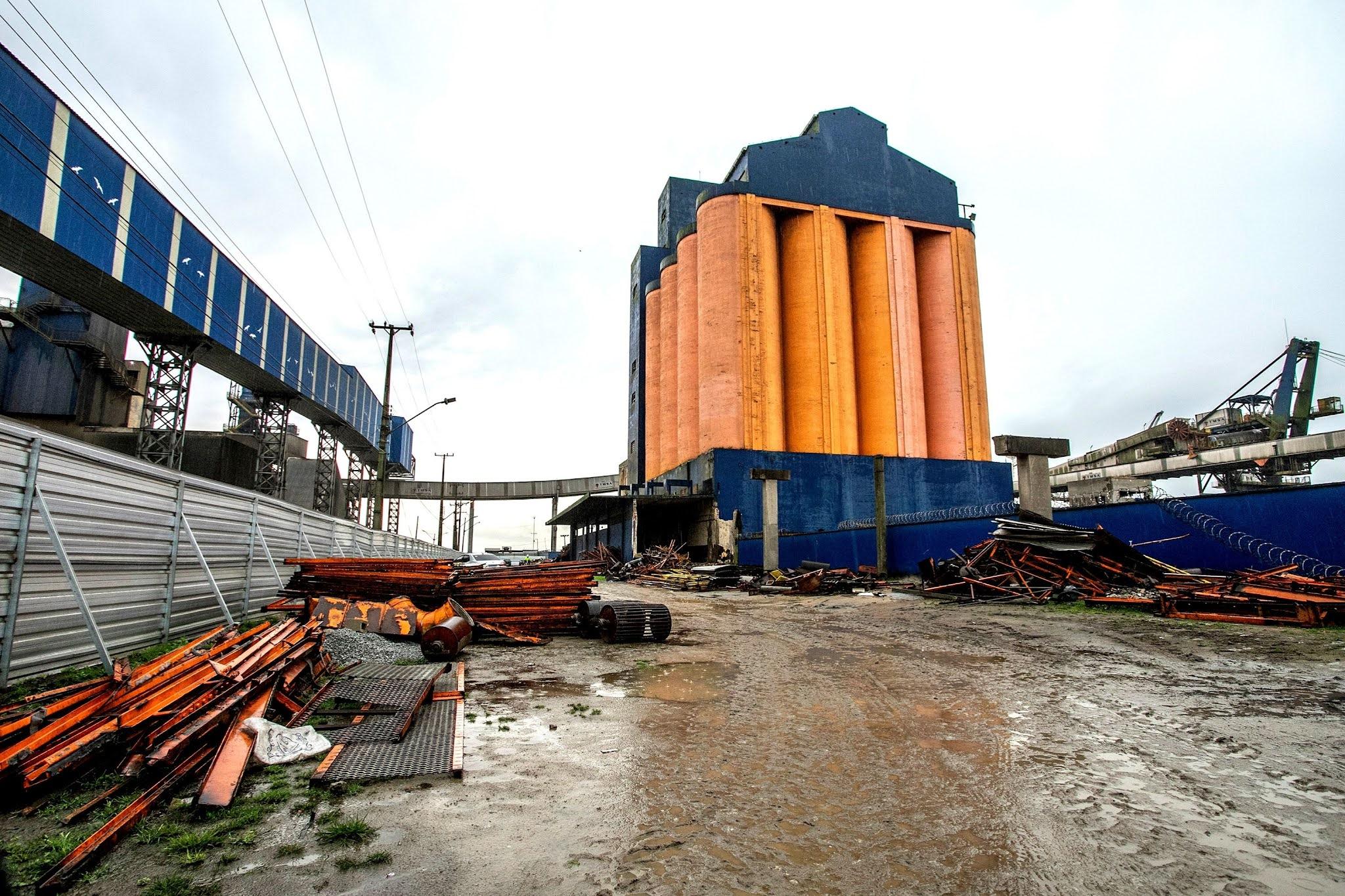Silo obsoleto será demolido para ampliação operacional do Porto de Paranaguá