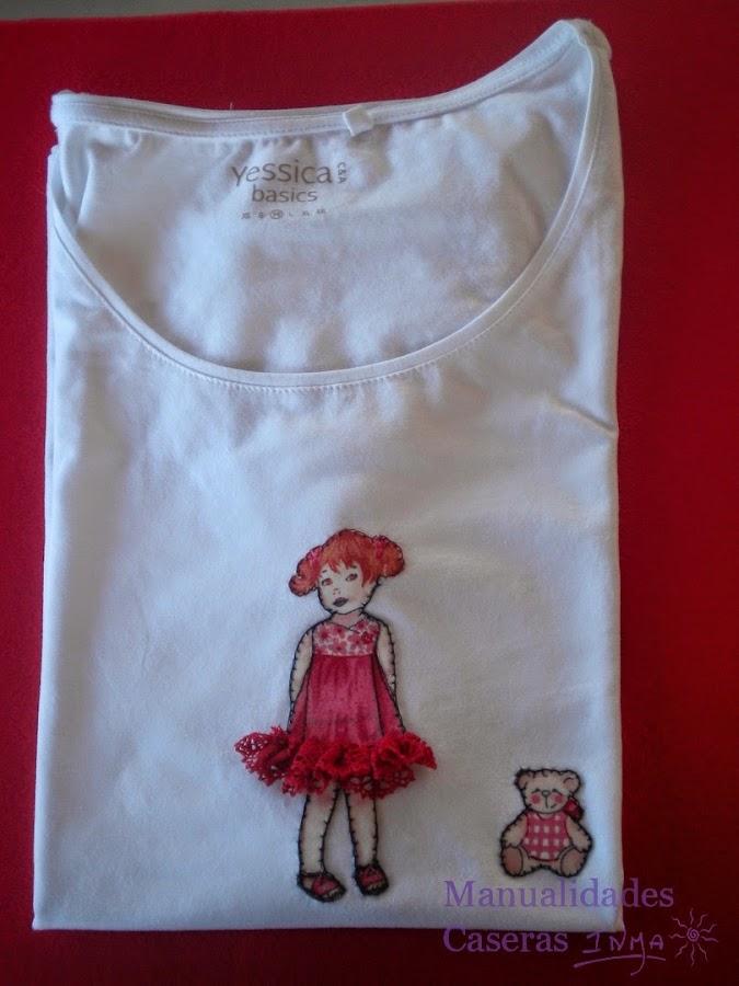 Manualidades Caseras Faciles Camiseta decorado con niña recortable con falda de volantes