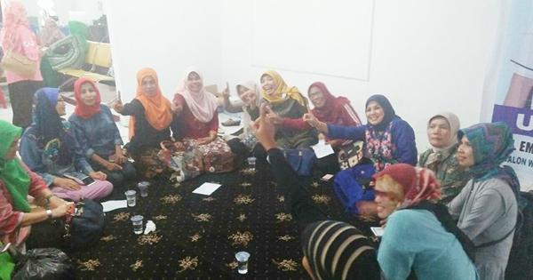 Koalisi Perempuan Pendukung Emzalmi-Desri Gelar Rapat Konsolidasi
