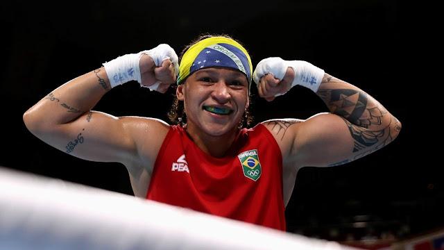 Bia Ferreira comemora vitória contra Mira Potkonen