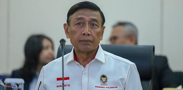 Pernyataan Menteri Koordinator Bidang Politik Hukum dan Keamanan (Menkopolhukam) Wiranto yang menyebut kebakaran hutan dan lahan (karhutla) yang terjadi di Riau tidak separah seperti diberitakan oleh media, mengundang banyak reaksi.
