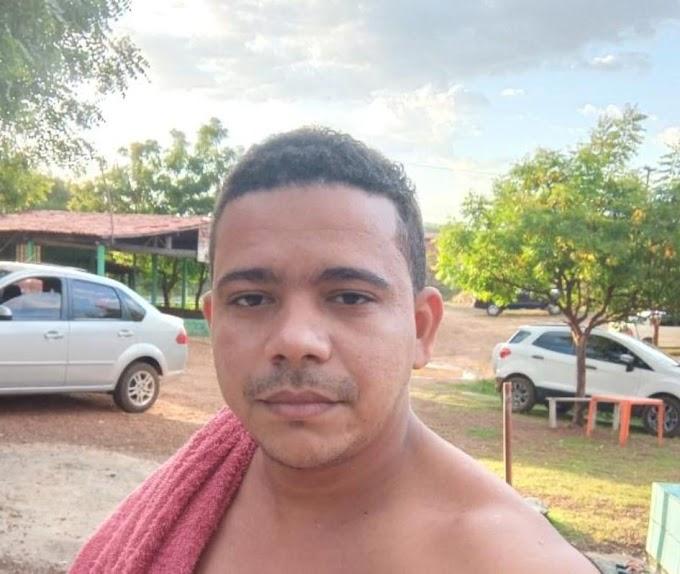 ASSALTO em Elesbão Veloso em plena luz do dia; vendedor Chaguinha Silva tem celular levado por marginal.