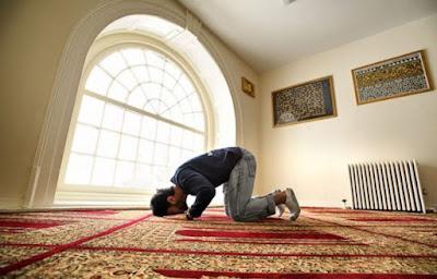 Tingkatkan Kualitas Ibadah, Intip 5 Keuntungan Layanan Jasa Penyedia Jual Karpet Masjid Online