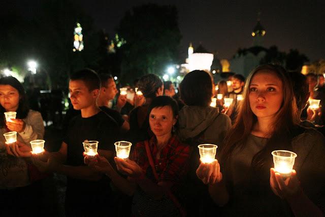 Сотни свечей в память о тех, кто не пришёл с войны Сергиев Посад