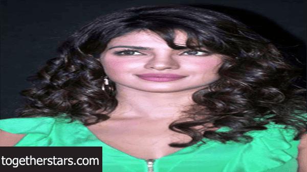 جميع حسابات بريانكا شوبرا Priyanka Chopra الشخصية على مواقع التواصل الاجتماعي
