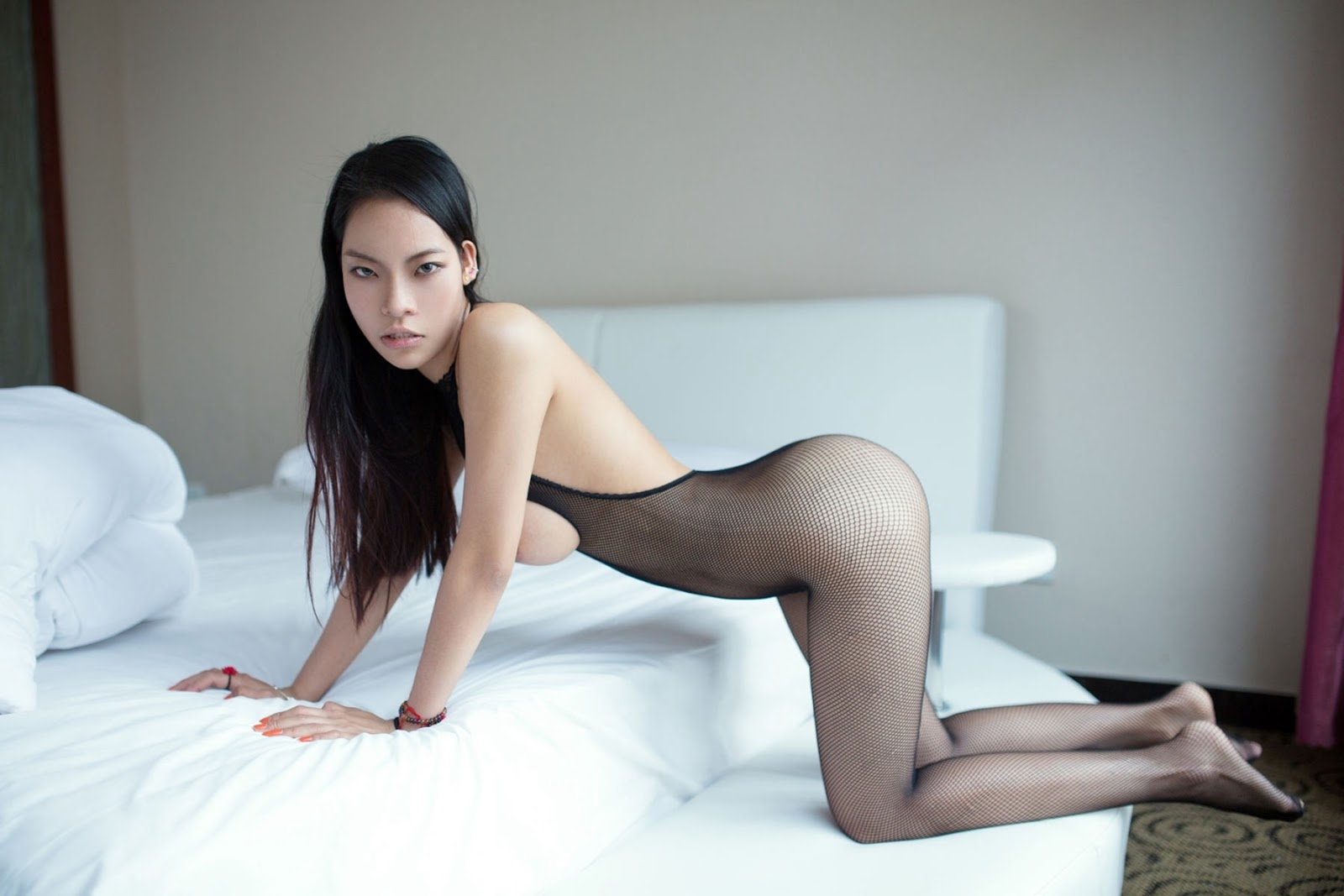 nude-chinese-girls-tights