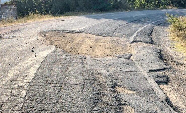 Το ΚΚΕ ζητά την άμεση αποκατάσταση των ζημιών στο επικίνδυνο οδικό δίκτυο Μικρού Δερείου - Ρούσσας - Γονικού