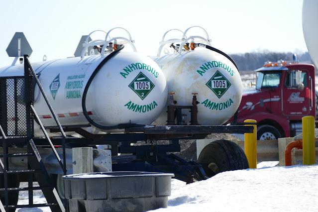 corn nitrogen fertilizer price anhydrous urea Minnesota