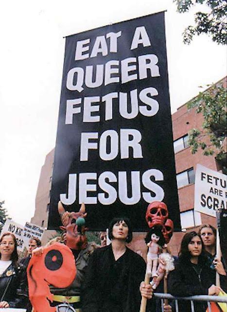 Perverso cartaz apelando a matar um feto para oferece-lo a Jesus (sic!)