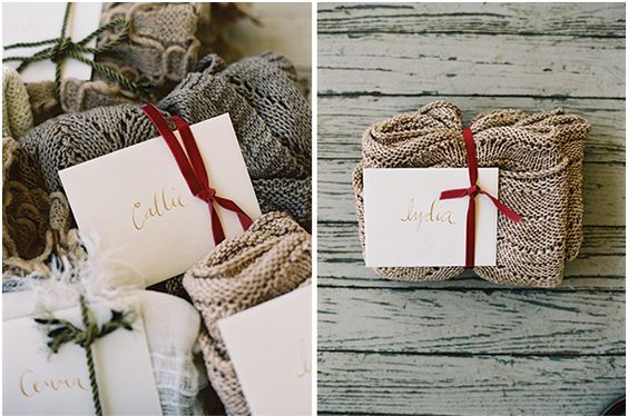 Upominki dla gości weselnych, Ślubne prezenty, Prezenty dla gości, Goście weselni, Winietki, Dekoracja stołów na wesele, Stół z prezentami dla gości, Podziękowania dla gości