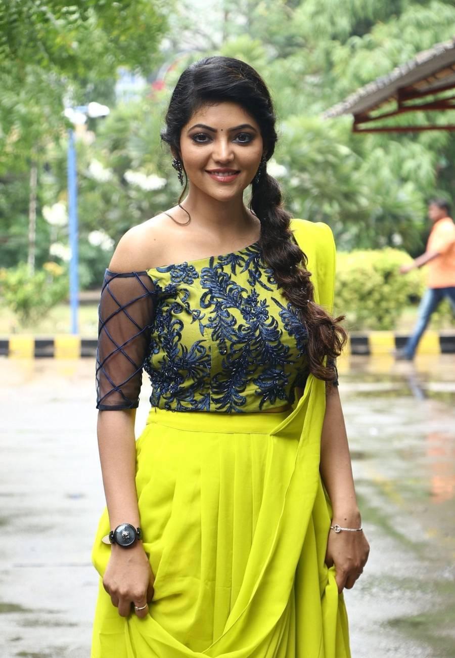 Tamil Actress Athulya Ravi at Naadodigal 2 Movie Audio Launch