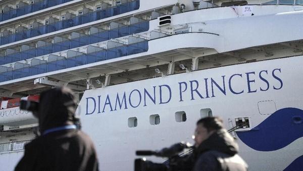 Total 130 Orang Positif Corona di Kapal Pesiar yang Dikarantina Jepang