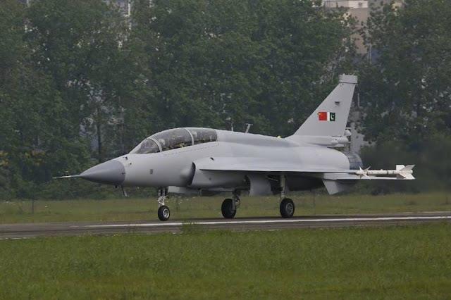 Pakistan JF17 LIFT trainer aircraft
