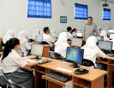 Contoh Soal Memaknai isi Tersurat dalam Karya Sastra | UN Bahasa Indonesia SMA 2020