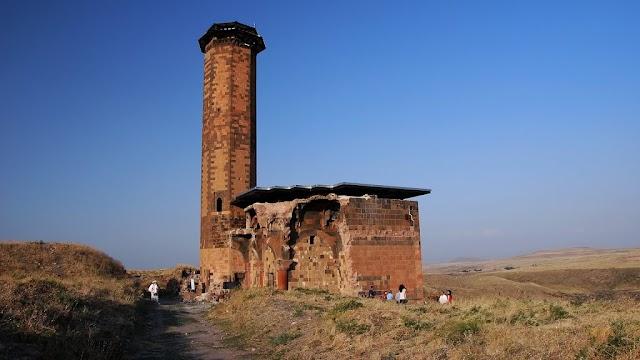 Anadolu'daki İlk Türk Camii: Manuçehr Camii