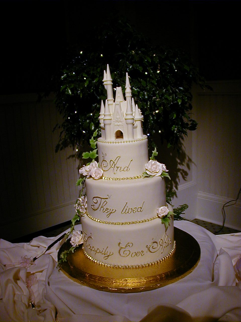 Love Themed Wedding Cakes