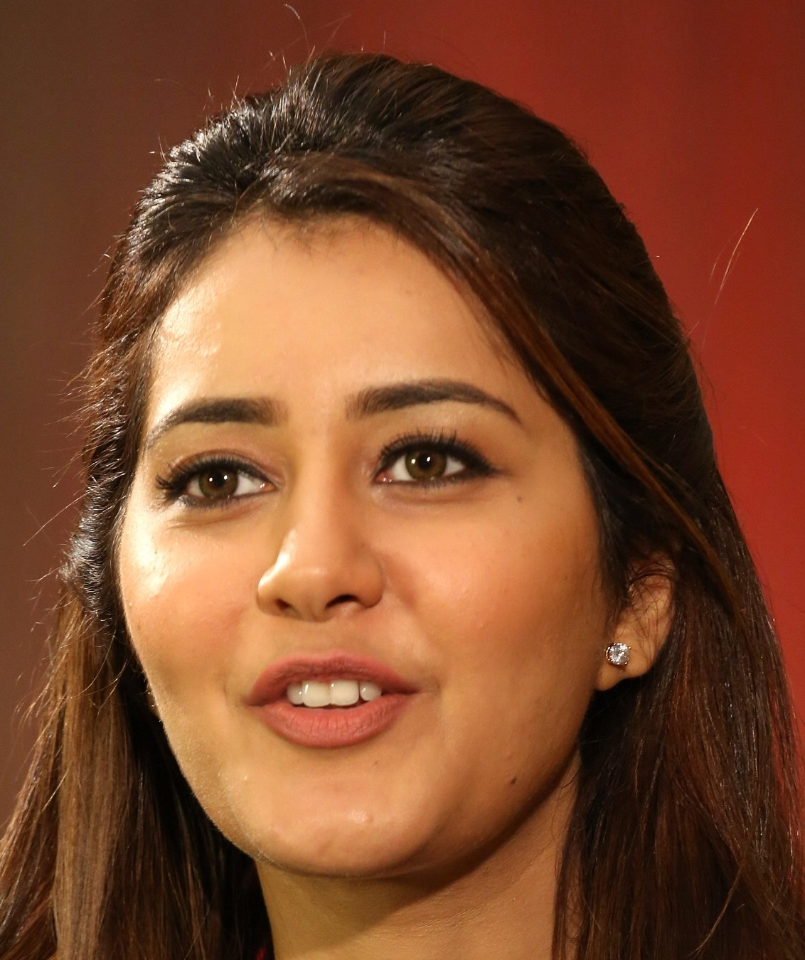 Raashi Khanna Face Close Up Photos