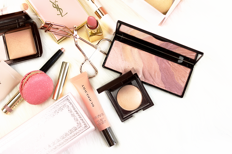 blog-photography-tips-beauty-makeup-flatlay-ysl-rose-gold-hourglass-chanel-burberry