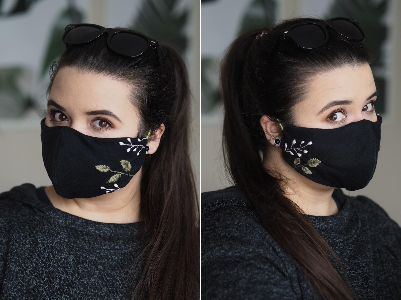 czarna maseczka na twarz