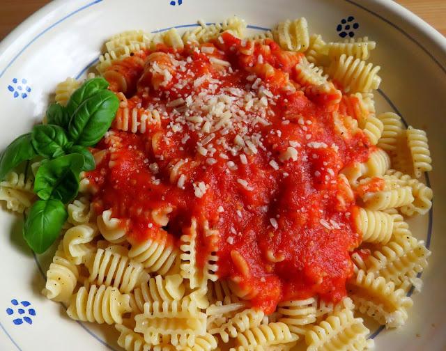 A Basic Tomato Sauce