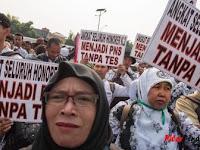Wakil Rakyat Bertanya Angkat Honorer Jadi PNS Tanpa Tes! Ini Jawaban Pemerintah