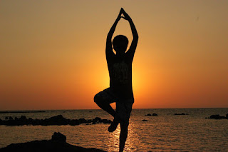 वृक्षासन- करे- तनावमुक्त, Vriksasana- for- Tension- Free- Mind- in- Hindi, तनाव के लिए वृक्षासन योग, वृक्षासन करने की विधि , Vrksasana Pose Steps, वृक्षासन के फायदे, Vrksasana Pose Steps