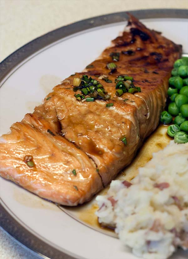 Broiled salmon fillet marinated in honey and low-sodium soy sauce.