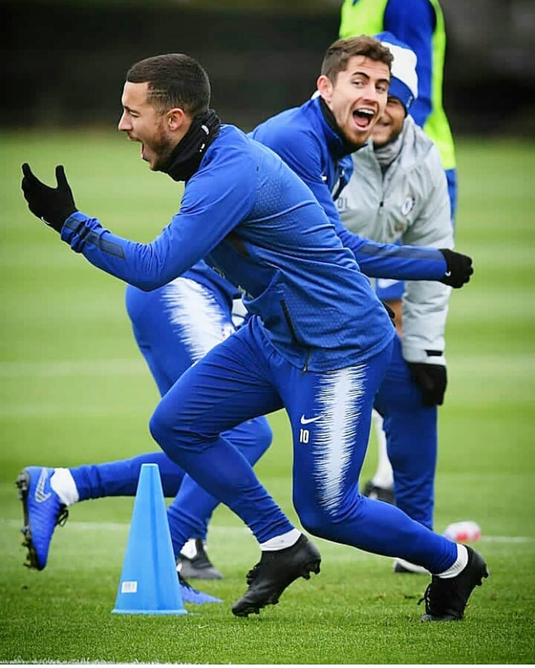 4953a002a Chelsea star Eden Hazard again has returned to training following an injury  wearing mysterious, never-seen-before blackout football boots.