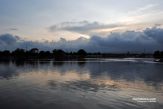 pantai boom banyuwangi, pantai wisata banyuwangi, wisata alam banyuwangi,
