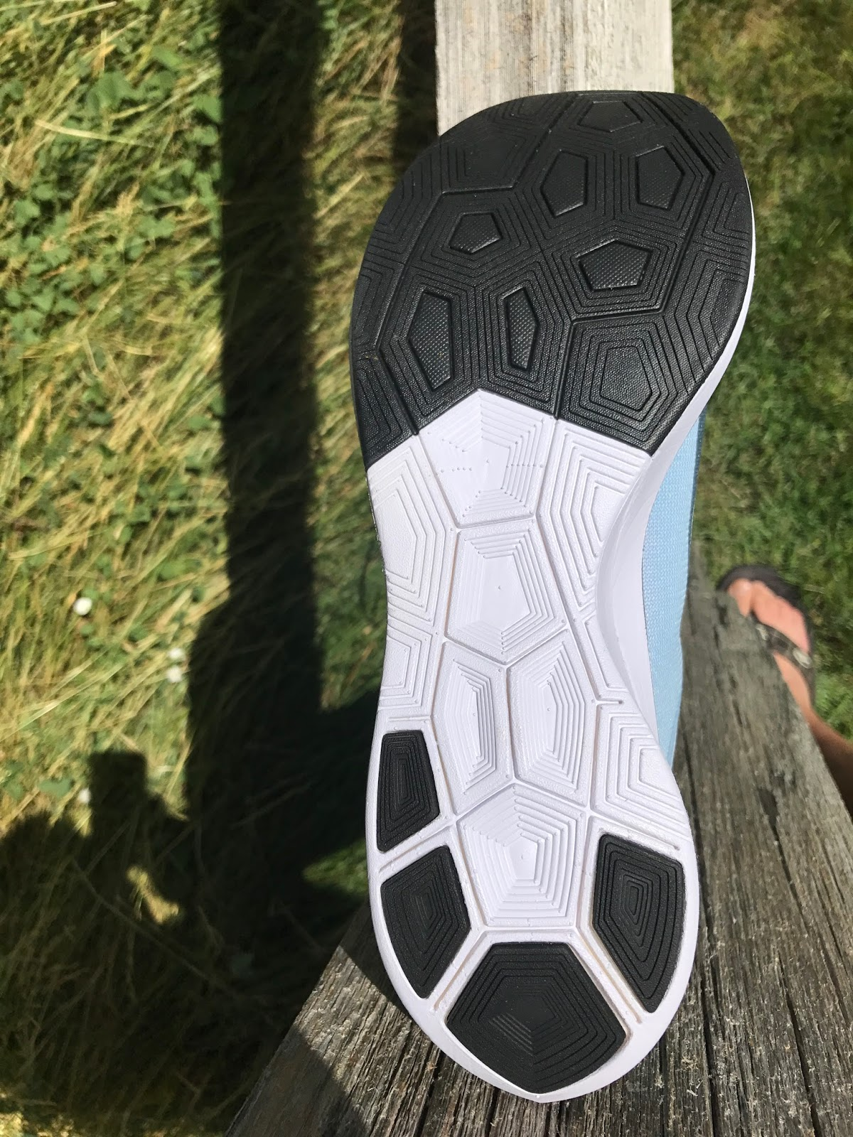 de1ffb999f21c Road Trail Run  Nike Zoom Vaporfly 4% Detailed Breakdown Run and ...