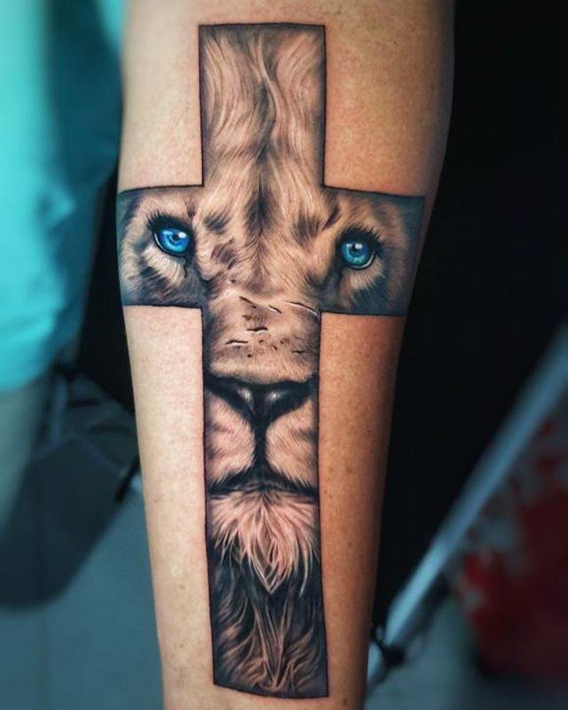 Imagen de tatuaje de león para mujeres