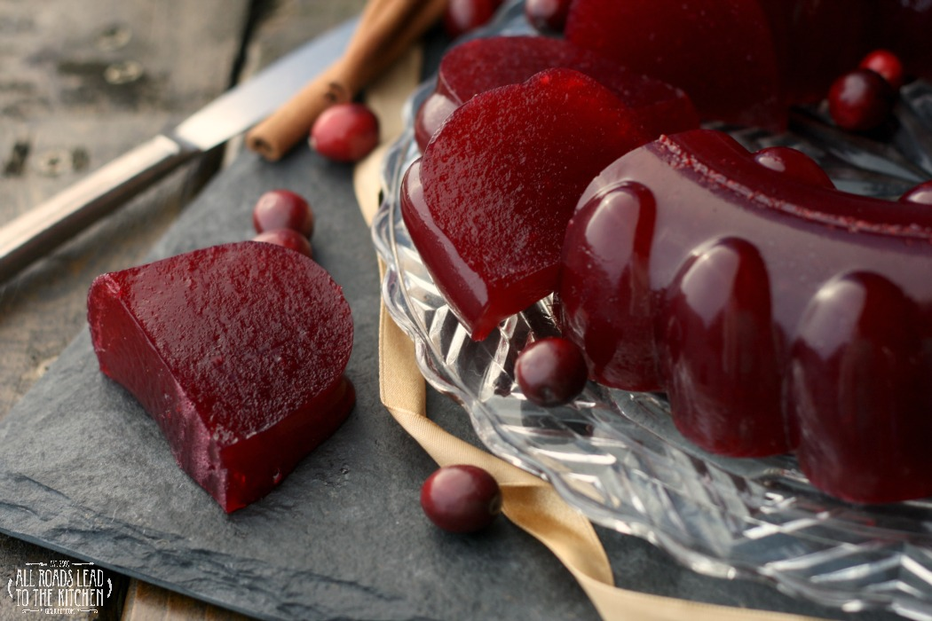 Cranberry Port Ring (Jellied Cranbery Sauce)