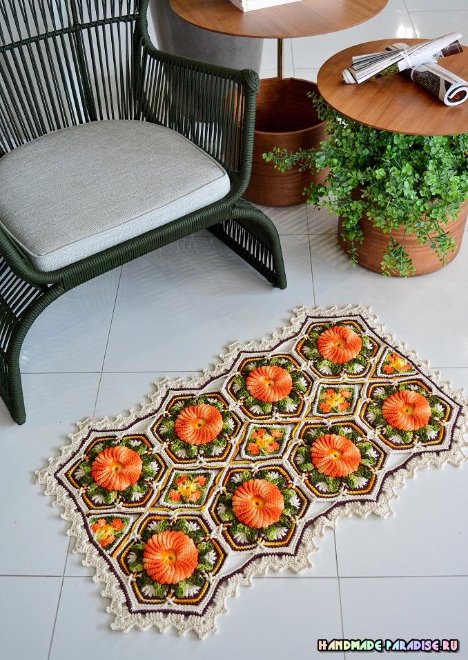 «Оранжевая цветочная плитка» - коврик крючком (1)