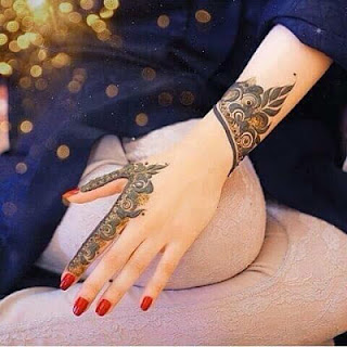 Mehndi designs simple for left hand